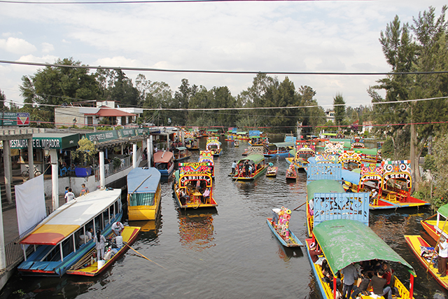 xochimilco_trajineras_color_boat_1